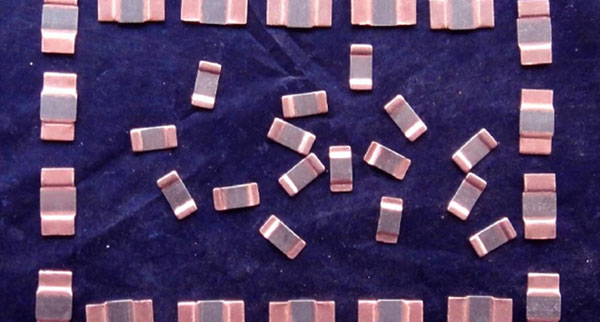 ade7753锰铜 电路图